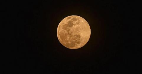 super-pink-moon-lights-up-night-skies-summary
