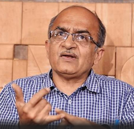 supreme-court-issues-notice-to-prashant-bhushan-over-tweets