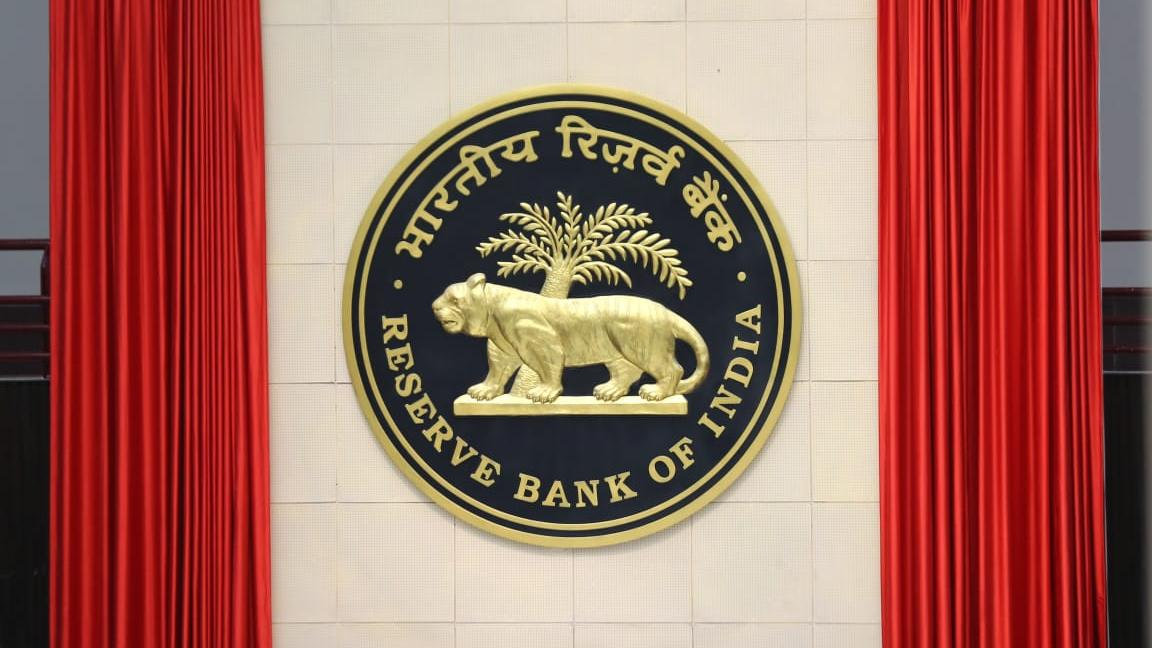 india-has-been-reeling-under-technical-recession-rbi-summary
