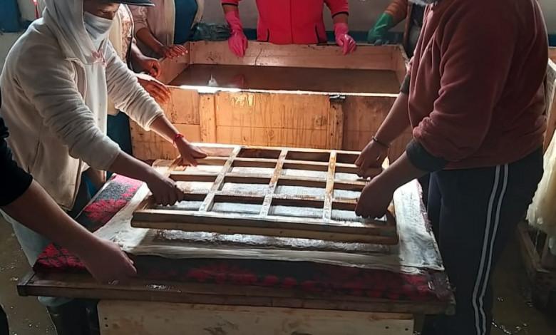 kvic-brings-alive-1000-yrs-old-monpa-handmade-paper-industry