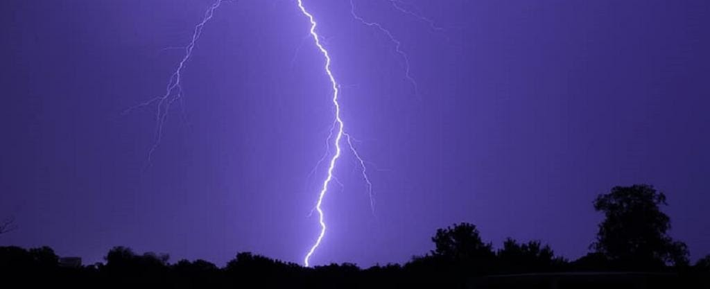 lightning-a-naturally-occurring-phenomenon-that-still-kills-many-indians