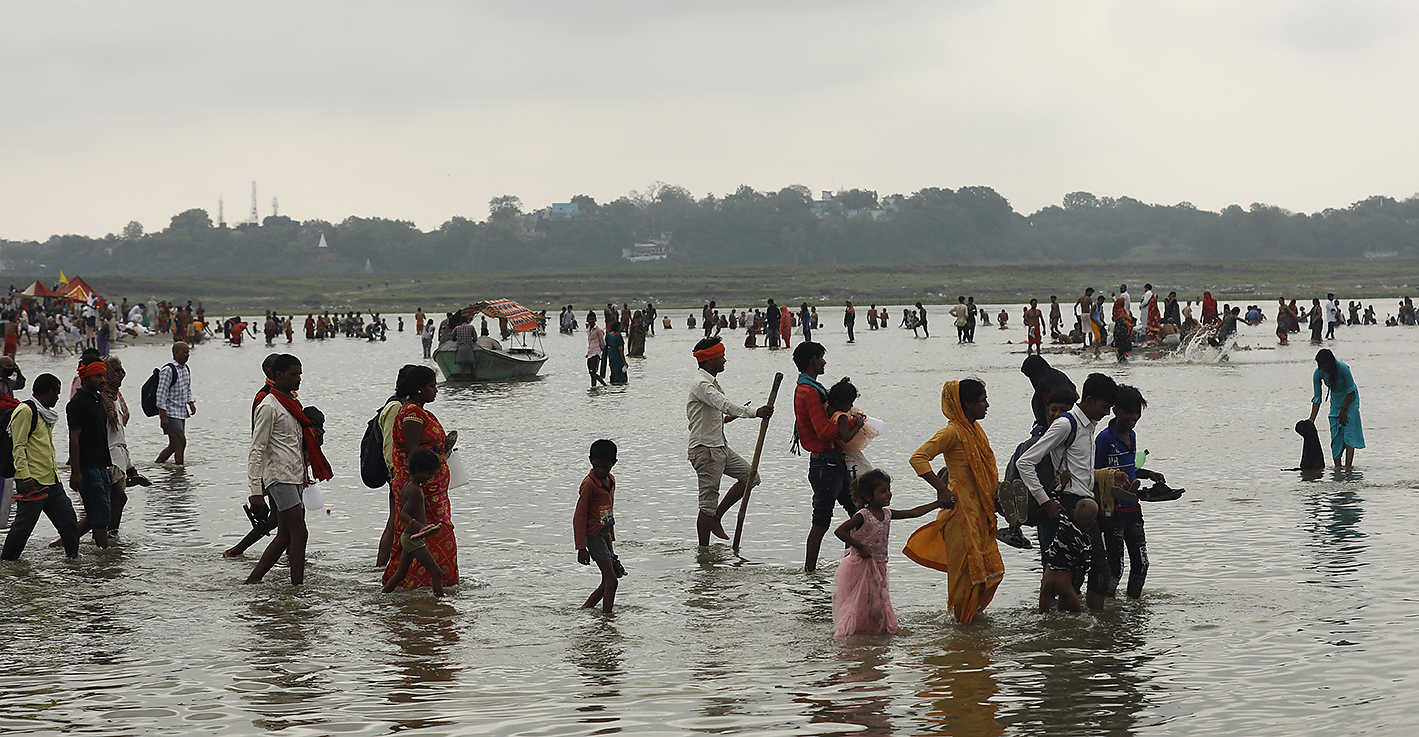 corpses-did-not-add-to-ganga-pollution-centre