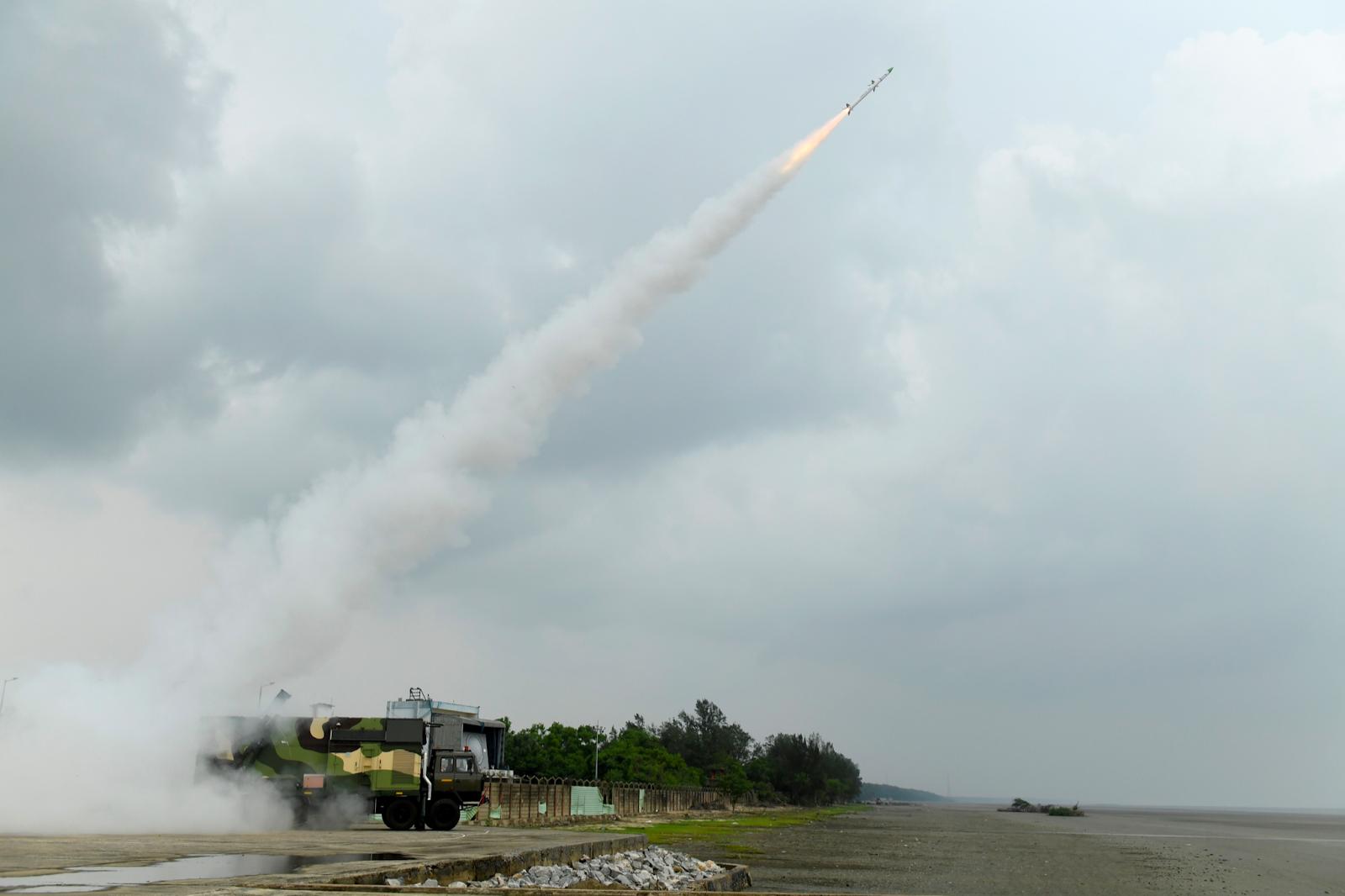 drdo-successfully-flight-tests-surface-to-air-missile-akash-ng