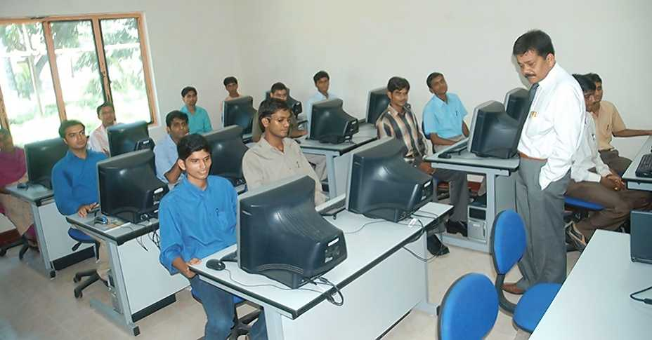 engineering-course-in-11-languages